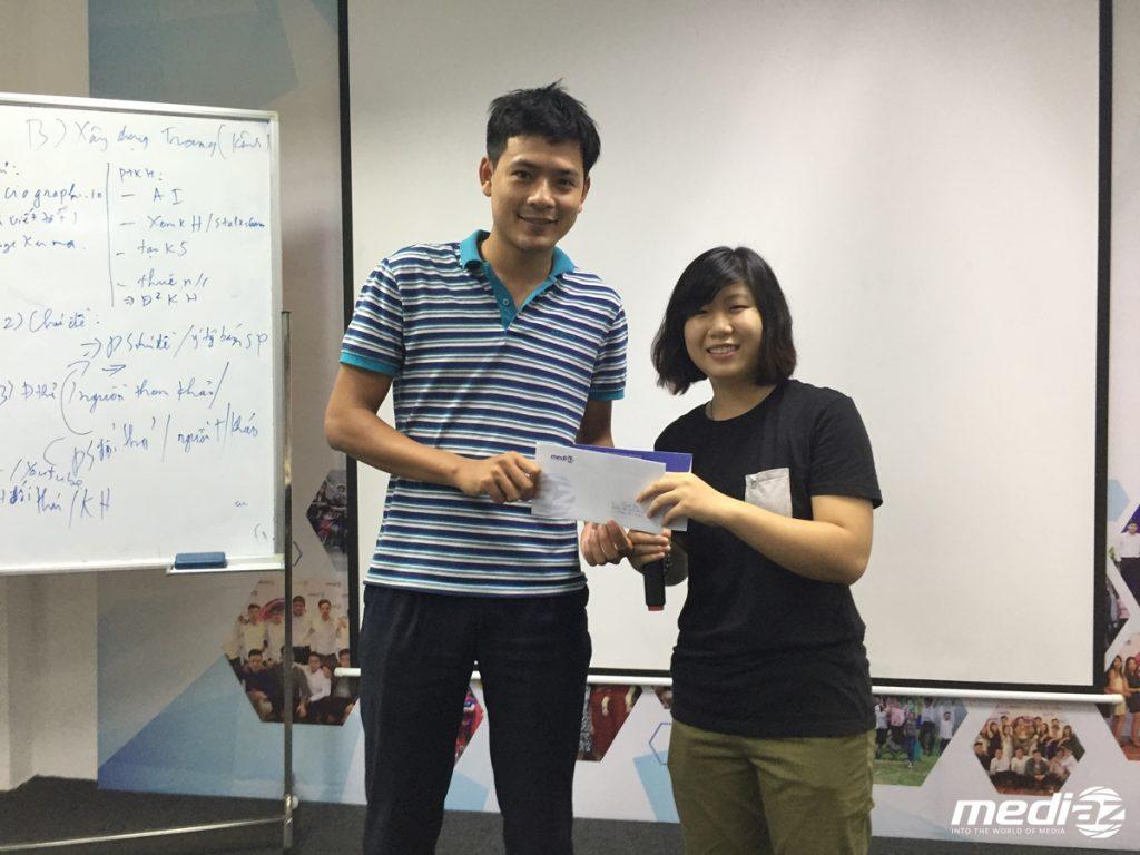 Anh Quang Đạo - Trưởng phòng Marketing đạt giải Nhân viên xuất sắc nhất tháng