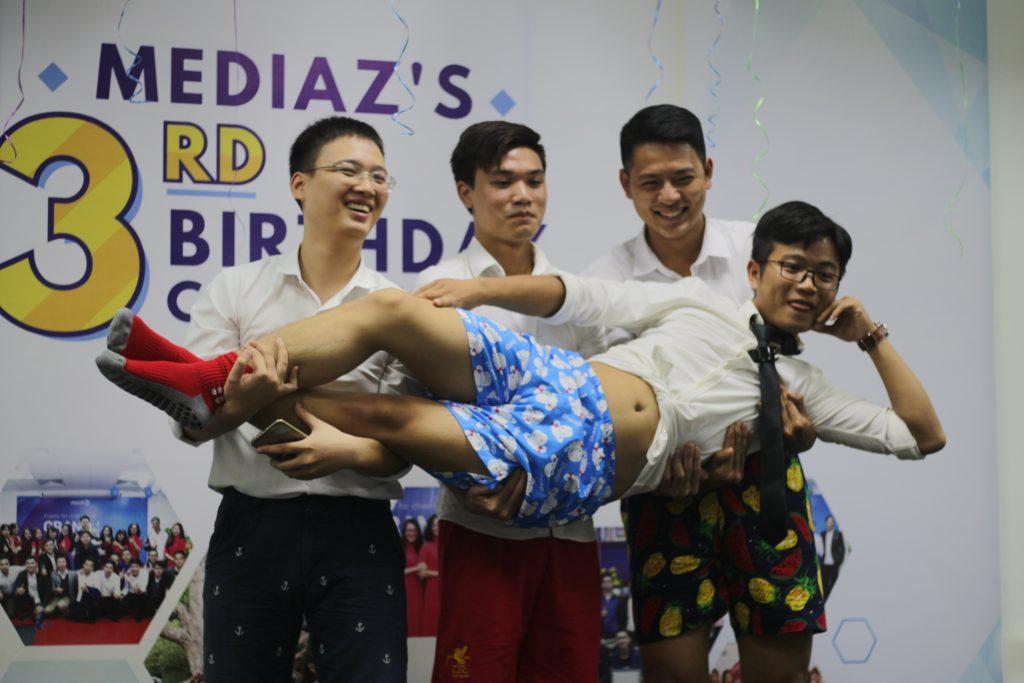 Photo Ngày 20/10 của anh chị em nhà MediaZ 16