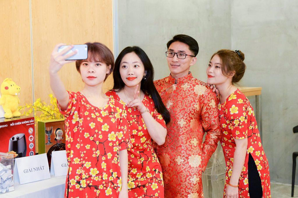 """Photo New Year Party 2020 - bữa tiệc ấm cúng bên """"gia đình"""" MediaZ 4"""
