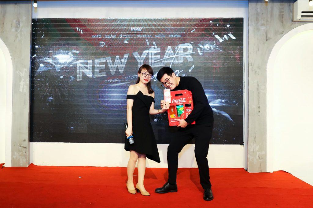 """New Year Party 2020 - bữa tiệc ấm cúng bên """"gia đình"""" MediaZ 13"""