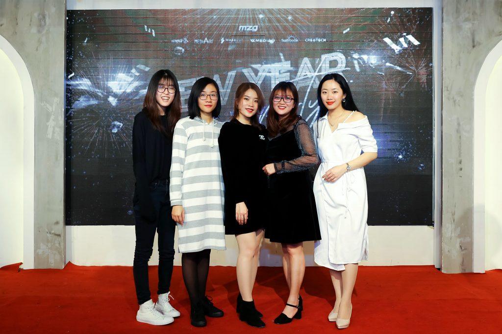"""New Year Party 2020 - bữa tiệc ấm cúng bên """"gia đình"""" MediaZ 21"""