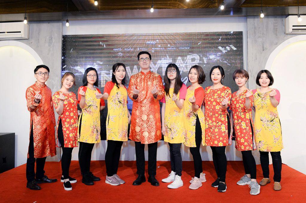 """Photo New Year Party 2020 - bữa tiệc ấm cúng bên """"gia đình"""" MediaZ 6"""